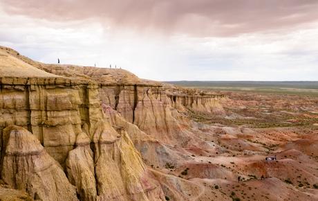 Paesaggio nel deserto del Gobi in Mongolia con i canyon